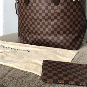 Louis Vuitton GM Monorgram Neverfull